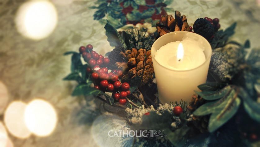 27 Christmas Season Celebration Photographs - HD Christmas Wallpapers - Holly Candle